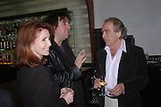 Jane Asher, Tim Burton, Gerald Scarfe. 'Maze' Gordon Ramsay  restaurant launch. 10-13 Grosvenor Square. London. 24 May 2005. ONE TIME USE ONLY - DO NOT ARCHIVE  © Copyright Photograph by Dafydd Jones 66 Stockwell Park Rd. London SW9 0DA Tel 020 7733 0108 www.dafjones.com