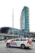 Nederland, Arnhem, 25-3-2016Op het centraal station van Arnhem is politiebewaking. Zwaar bewapende surveillance. Op het station stopt de internationale ice hoge snelheidstrein naar Amsterdam.FOTO: FLIP FRANSSEN