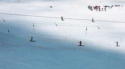 THEMENBILD - Sommerskibetrieb am Kitzsteinhorn im Juli, aufgenommen am 01. Juli 2019, Kaprun, Österreich // Summer skiing on the Kitzsteinhorn in July on 2019/07/01, Kaprun, Austria. EXPA Pictures © 2019, PhotoCredit: EXPA/ Stefanie Oberhauser