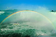 Niagara Falls and rainbow with Maid of the Mist<br />