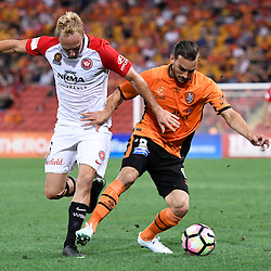 BRISBANE, AUSTRALIA - DECEMBER 22: Jack Hingert of the Roar and Mitch Nichols of the Wanderers compete for the ball during the round 4 Foxtel National Youth League match between the Brisbane Roar and Melbourne City at AJ Kelly Field on December 22, 2016 in Brisbane, Australia. (Photo by Patrick Kearney/Brisbane Roar)