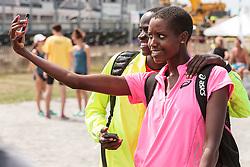 Falmouth Road Race Stephen Sambu, Dian Nukuri-Johnson take a selfie