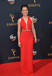 Tatiana Maslany bei der Verleihung der 68. Primetime Emmy Awards in Los Angeles / 180916<br /> <br /> *** 68th Primetime Emmy Awards in Los Angeles, California on September 18th, 2016***