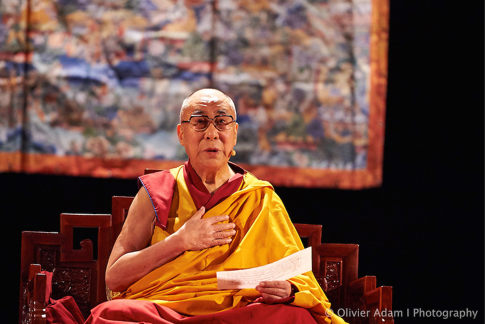 Teaching about mindfulness, based on the training of the mind in eight verses of Master Lagri Tangpa. Dalai Lama