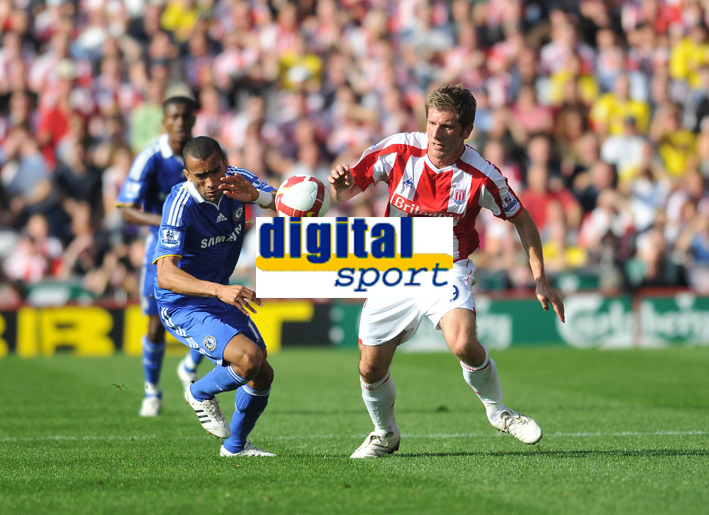 Photo: Tony Oudot/Richard Lane Photography. Stoke City v Chelsea. Barclays Premier League. 27/09/2008. <br /> Richard Cresswell of Stoke City challenges for the ball with Jose Bosingwa of Chelsea