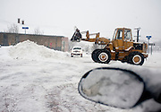 Feb 10,2010 - Herndon, Va USA -Road crews clear the streets during blizzard conditions in historic Herndon, Virginia on Wednesday.(Credit Image: ©Pete Marovich/ZUMA Press)