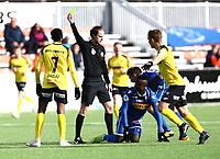 Fotball ,  OBOS-Ligaen<br /> 07.04.19<br /> Nammo Stadion<br /> Raufoss v Sandefjord  0-2<br /> Foto :  Dagfinn Limoseth , Digitalsport<br /> Gult kort til Emile Noe Dadjo  , Raufoss . Dommer Jan Morten Tennøy , Nore Neset IL