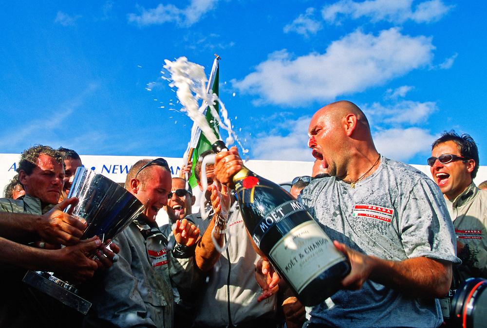 2000 Louis Vuitton Cup<br /> Winner PRADA