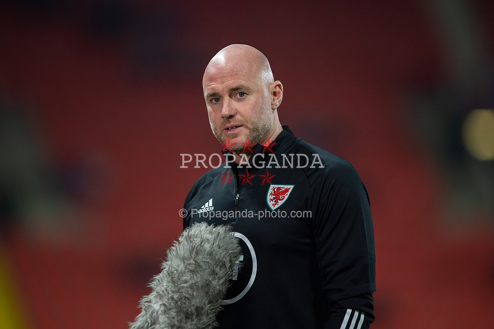 PRAGUE, CZECH REPUBLIC - Friday, October 8, 2021: Wales' manager Robert Page gives an interview to Sgorio before the FIFA World Cup Qatar 2022 Qualifying Group E match between Czech Republic and Wales at the Sinobo Stadium. The game ended in a 2-2 draw. (Pic by David Rawcliffe/Propaganda)