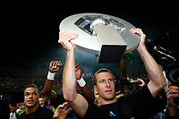 FOOTBALL - FRENCH CHAMPIONSHIP 2009/2010 - L1 - OLYMPIQUE MARSEILLE v GRENOBLE FOOT 38 - 15/05/2010 - PHOTO PHILIPPE LAURENSON / DPPI - BENOIT CHEYROU WITH TROPHY