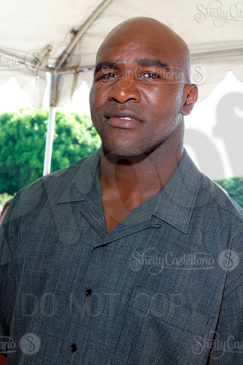 Jul 09, 2002; Los Angeles, CA, USA; Professional boxer EVANDER HOLYFIELD arrives @ SUGAR RAY LEONARD BOXING first year anniversary which was celebrated with a live fight night on ESPN2 from the Playboy Mansion in Holmby Hills.  Over 350 invited guests attended the cocktail reception and showdown in the back yard of Playboy HUGH HEFNER's 5.5 acre estate. <br />Mandatory Credit: Photo by Shelly Castellano/ZUMA Press.<br />(©) Copyright 2002 by Shelly Castellano
