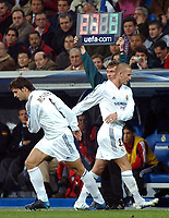 Fotball<br /> Champions League 2004/05<br /> Real Madrid v Bayer Leverkusen<br /> 23. november 2004<br /> Foto: Digitalsport<br /> NORWAY ONLY<br /> David Beckham is replaced by Fernando Morientes