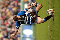 Photo: Richard Lane.<br />Bath Rugby v London Wasps. Zurich Premiership.<br />07/02/2004.<br />Ollie Barkley kicks.