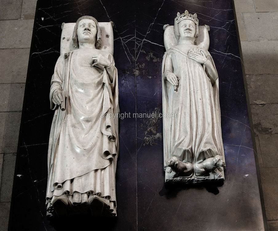 Gisants of Charles V (1338 - 1380), marble, 1374, by Andre Beauneveu, and Jeanne of Bourbon (1338 - 1377), marble, half 14th century, origine Church of the Celestins (Paris), Abbey church of Saint Denis, Seine Saint Denis, France. Picture by Manuel Cohen