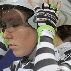 Concentratie voor de start bij Amy Pieters op het NK achtervolging