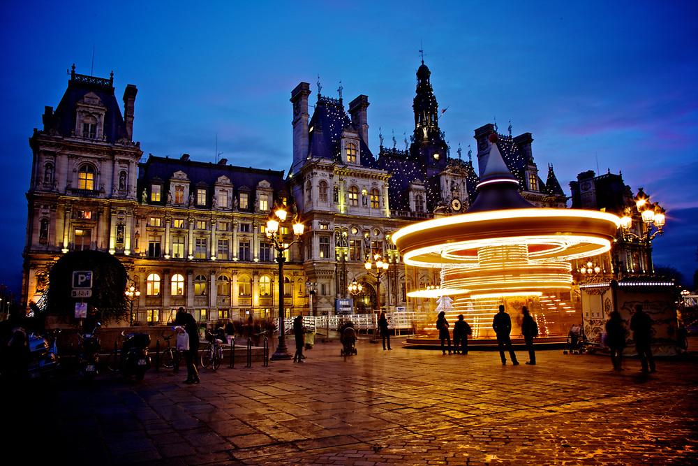 Blue Hours at l'Hotel de Ville in Paris.<br /> Photo by Lorenz Berna