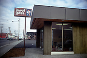 CS03007 Jewell Glass Col 4800 NE Union @ Wygant Feb. 6, 1974
