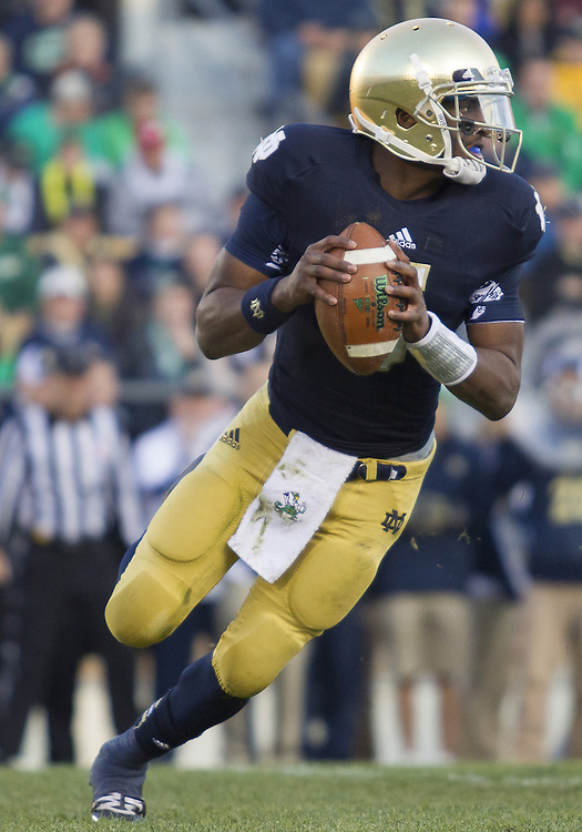 November 17, 2012:  Notre Dame quarterback Everett Golson (5) sets to pass the ball during NCAA Football game action between the Notre Dame Fighting Irish and the Wake Forest Demon Deacons at Notre Dame Stadium in South Bend, Indiana.  Notre Dame defeated Wake Forest 38-0.