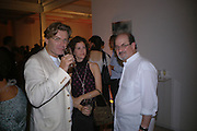 Duncan ward, Mollie Dent-Brocklehurst and Salman Rushdie. Party to celebrate the publication of Shalimar the Clown by Salman Rushdie. David Gill Gallery, 3 Loghborough St. London SE11 ONE TIME USE ONLY - DO NOT ARCHIVE  © Copyright Photograph by Dafydd Jones 66 Stockwell Park Rd. London SW9 0DA Tel 020 7733 0108 www.dafjones.com