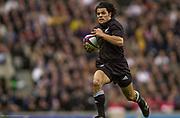 Twickenham. Surrey. UK England vs New Zealand, Autumn Internationals.<br /> Doug HOWLETT.<br /> 09/11/2002<br /> International Rugby England vs New Zealand [Mandatory Credit Peter SPURRIER/Intersport Images]