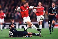 Ray Parlour (Arsenal) Alessandro Nesta (Lazio). Arsenal 2:0 Lazio, Highbury Stadium, UEFA Champions League, Group B, 27/9/2000. Credit Colorsport / Stuart MacFarlane.
