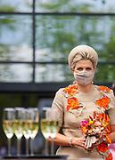 WINTERSWIJK, 03-06-2021 , Hesselink Koffie<br /> <br /> Koningin Maxima tijdens de opening vani het nieuwe bedrijfspand van Hesselink Koffie in Winterswijk. Het nieuwe pand is energieneutraal, de koffie wordt klimaatneutraal geproduceerd en de buitenruimte is ingericht om de biodiversiteit te versterken.<br /> FOTO: Brunopress/Patrick van Emst<br /> <br /> Queen Maxima during the opening of Hesselink Koffie's new business premises in Winterswijk. The new building is energy neutral, the coffee is produced climate neutral and the outdoor space is designed to enhance biodiversity.