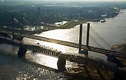 Nederland, Gelderland, Zaltbommel, 11-02-2008; rivier de Waal met de bruggen; de spoorbrug in de voorgrond, daarachter de Martinus Nijhoffbrug, toren van de Grote of Sint-Maartenskerk.in de achtergond; tegenlicht, Bommelerwaard, bommel, Martinus Nijhofbrug, Martinus Nijhof, ..luchtfoto (toeslag); aerial photo (additional fee required); .foto Siebe Swart / photo Siebe Swart