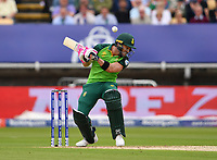 Cricket - 2019 ICC Cricket World Cup - Group Stage: New Zealand vs. South Africa<br /> <br /> South Africa's Faf du Plessis avoids a short pitched ball from Lockie Ferguson, at Edgbaston, Birmingham.<br /> <br /> COLORSPORT/ASHLEY WESTERN