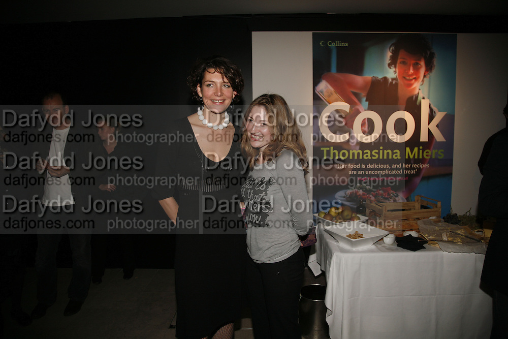 THOMASINA MIERS AND KELLY MACDONALD, launch of Thomasina MiersÍ cookbook, entitled COOK, at the Hospital, ENDELL ST. LONDON.  16 OctobeR 2006. -DO NOT ARCHIVE-© Copyright Photograph by Dafydd Jones 66 Stockwell Park Rd. London SW9 0DA Tel 020 7733 0108 www.dafjones.com