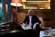 Milano: il giornalista Giancarlo Aneri fotografato al ristorante  il Bolognese