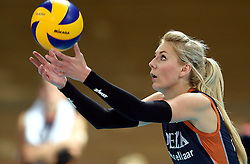 27-09-2015 NED: Volleyball European Championship Nederland - Polen, Apeldoorn<br /> Nederland verslaat Polen met 3-1 / Laura Dijkema #14