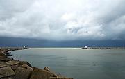 Ingang haven Scheveningen met Zuidelijke havenhoofd en Noordelijke havenhoofd, Scheveningen, Den Haag - Jetty harbours at the entrance of the port of Scheveningen, The Hague, Netherlands