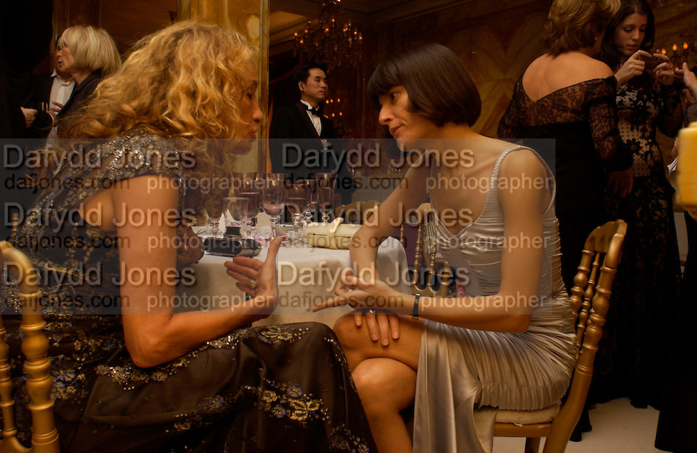 Ann Dexter Jones and Vanina Sorrenti. Crillon 2004 Debutante Ball. Crillon Hotel. Paris. 26 November 2004. ONE TIME USE ONLY - DO NOT ARCHIVE  © Copyright Photograph by Dafydd Jones 66 Stockwell Park Rd. London SW9 0DA Tel 020 7733 0108 www.dafjones.com