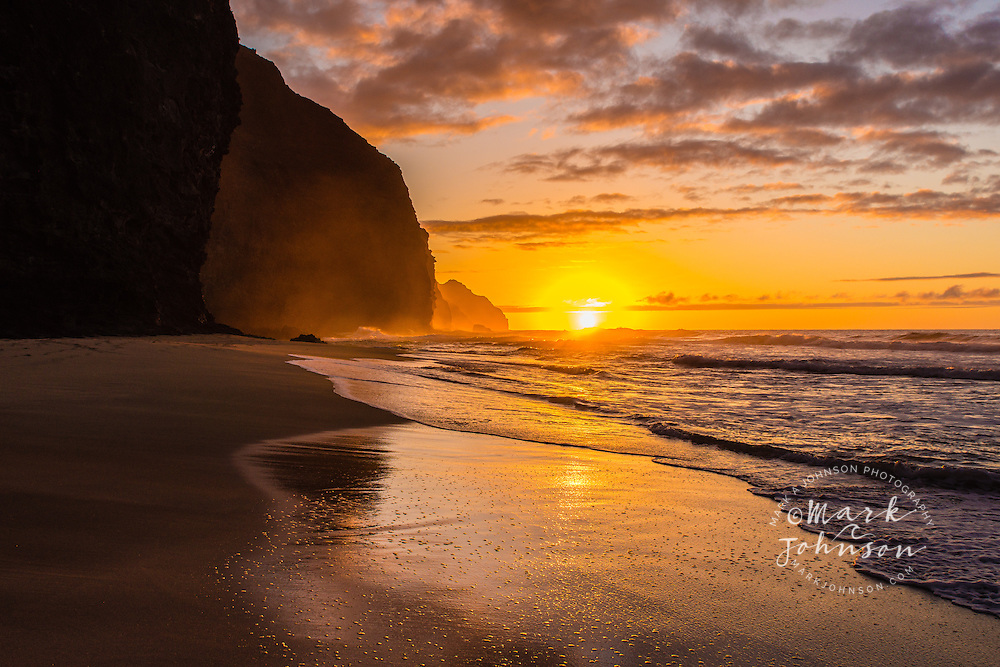 Sunset on Kalalau Beach, Na Pali Coast, Kauai, Hawaii