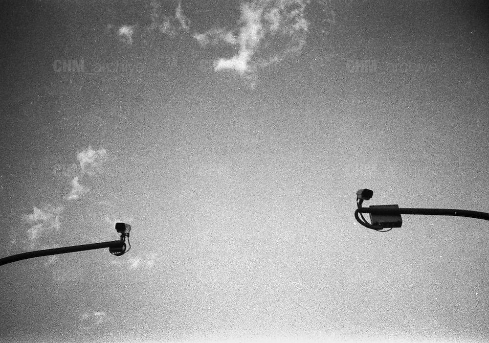 Fra cent'anni sotto il cielo<br /> qualcuno bacerà<br /> due occhi come i tuoi<br /> per me.<br /> <br />  giugno  2016 . Daniele Stefanini /  OneShot
