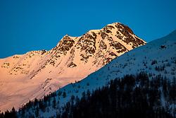 """THEMENBILD - Der Schneebedeckte Gipfel Tschadinhorn (3017m) im letzten Abendlicht. Kals am Grossglockner, Mittwoch, 8. April 2020 // The snow-covered summit of """"Tschadinhorn"""" in red evening light. Kals am Grossglockner, Wednesday, April 8, 2020. EXPA Pictures © 2020, PhotoCredit: EXPA/ Johann Groder"""