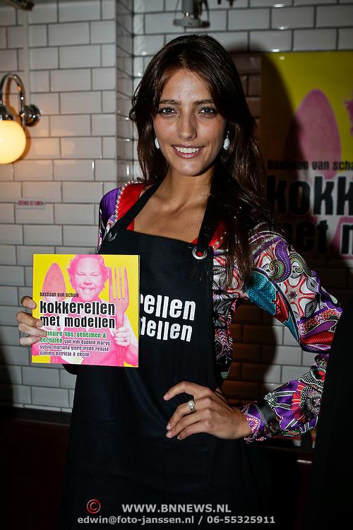 """NLD/Amsterdam/20100421 -  Presentatie Bastiaan van Schaik boek """"Koken met Modellen"""", Marvie Rieder"""