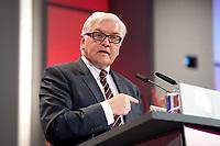 11 JAN 2011, KOELN/GERMANY:<br /> Frank-Walter Steinmeier, SPD Fraktionsvorsitzender, waehrend seiner Rede, 52. Jahrestagung dbb beamtenbund und tarifunion, Congress-Centrum Nord Koelnmesse<br /> IMAGE: 20110111-01-109<br /> KEYWORDS: Köln