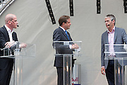 Diederik Samsom, Alexander Pechtold en Arie Slob (vlnr) in debat. In Utrecht vindt tijdens de introductiedagen het eerste lijsttrekkersdebat plaats voor de Tweede Kamerverkiezingen. Diederik Samsom (PvdA), Alexander Pechtold (D'66), Arie Slob (ChristenUnie), Jolande Sap (GroenLinks) en Sybrand Buma (CDA) discussieerden vooral over de zaken die studenten aangaan. Pechtold en Samsom wonnen samen het debat.<br /> <br /> Diederik Samsom, Alexander Pechtold and Arie Slob (left to right) in discussion. At the introduction days for the Utrecht University freshmen, political leaders are debating for the first time to start the campaign for the elections of the Dutch parliament. Diederik Samsom (PvdA), Alexander Pechtold (D'66), Arie Slob (ChristenUnie), Jolande Sap (GroenLinks) and Sybrand van Haersma Buma (CDA) are debating mainly on issues concerning education. Samsom and Pechtold won this debate equally.
