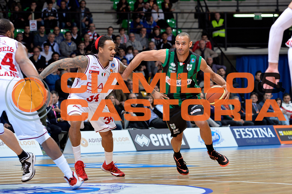 DESCRIZIONE : Final Eight Coppa Italia 2015 Desio Quarti di Finale Olimpia EA7 Emporio Armani Milano - Sidigas Scandone Avellino<br /> GIOCATORE : Adam Hanga<br /> CATEGORIA : palleggio penetrazione<br /> SQUADRA : Sidigas Avellino<br /> EVENTO : Final Eight Coppa Italia 2015 Desio<br /> GARA : Olimpia EA7 Emporio Armani Milano - Sidigas Scandone Avellino<br /> DATA : 20/02/2015<br /> SPORT : Pallacanestro <br /> AUTORE : Agenzia Ciamillo-Castoria/Max.Ceretti