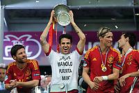 Fotball<br /> EM 2012<br /> Finale<br /> Spania v Italia<br /> 01.07.2012<br /> Foto: Witters/Digitalsport<br /> NORWAY ONLY<br /> <br /> v.l. Xabi Alonso, Cesc Fabregas, Fernando Torres (Spanien)<br /> Fussball EURO 2012, Finale, Spanien - Italien 4:0, Siegerehrung