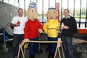 Officiële opening Buurman en Buurman studio in Beeld en Geluid , Hilversum.<br /> <br /> Op de foto:  Buurman en Buurman met de makers Tomas Eiselt en Marek Benes