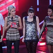 NLD/Hilversum/20121109 - The Voice of Holland 1e liveuitzending, Denzel Dongen, Wendy van Dijk, Tessa Belinfante, Leonna Phillipo