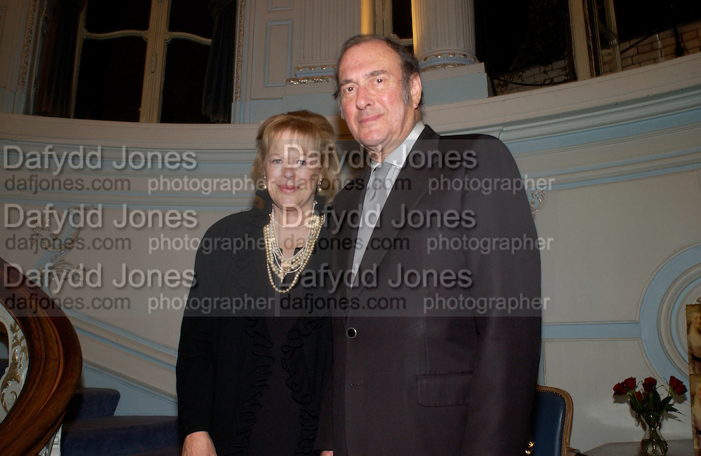 Lady Antonia Fraser and  Harold Pinter, Flora Fraser launch party for her book ' Princesses the Daughters of George 111' the Savile club, Brook St. 14 September 2004. SUPPLIED FOR ONE-TIME USE ONLY-DO NOT ARCHIVE. © Copyright Photograph by Dafydd Jones 66 Stockwell Park Rd. London SW9 0DA Tel 020 7733 0108 www.dafjones.com