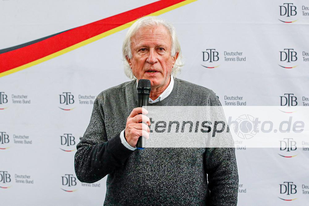 Rolf Schmid (Sportwart des WTB), Deutsche Meisterschaften der Damen und Herren 2020 - Deutscher Tennis Bund e.V. am 13.12.2020 in Biberach (Bezirksstützpunkt Biberach (WTB)), Deutschland, Foto: Mathias Schulz