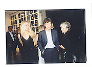 American Ambasador and wife, Mr Lader, Serpentine 30th anniversary Gala, 20th JUne 2000 in a sculpture tent on the Serpentine gallery lawn© Copyright Photograph by Dafydd Jones 66 Stockwell Park Rd. London SW9 0DA Tel 020 7733 0108 www.dafjones.com