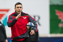 Scarlets' Backs Coach Stephen Jones during the pre match warm up - Mandatory by-line: Craig Thomas/JMP - 09/12/2017 - RUGBY - Parc y Scarlets - Llanelli, Wales - Scarlets v Benetton Rugby - European Rugby Champions Cup