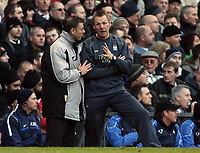 Photo: Paul Thomas.<br /> Manchester United v Manchester City. The Barclays Premiership. 09/12/2006.<br /> <br /> City's manager Stuart Pearce and fourth offical have words Mark Halsey (L).