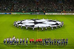 14.09.2010, Weserstadion, Bremen, GER, UEFA CL Gruppe A, Werder Bremen (GER) vs Tottenham Hotspur (UK), im Bild   CL Logo Mittelkreis mit den Kids aus Oldenburg, die das Banner halten sowie davor die beiden Mannschaften - Feature  EXPA Pictures © 2010, PhotoCredit: EXPA/ nph/  Kokenge+++++ ATTENTION - OUT OF GER +++++ / SPORTIDA PHOTO AGENCY