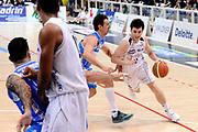 DESCRIZIONE : Trento Lega A 2014-15 Playoff Quarti di Finale Gara 1 Dolomiti Energia Trento Banco di Sardegna Sassari<br /> GIOCATORE : Marco Spanghero<br /> CATEGORIA : palleggio penetrazione<br /> SQUADRA : Dolomiti Energia Trento<br /> EVENTO : Lega A 2014-2015 Playoff Quarti di Finale Gara 1<br /> GARA : Dolomiti Energia Trento Banco di Sardegna Sassari<br /> DATA : 18/05/2015<br /> SPORT : Pallacanestro<br /> AUTORE : Agenzia Ciamillo-Castoria/M.Marchi<br /> Galleria : Lega Basket A 2014-2015 <br /> Fotonotizia: Trento Lega A 2014-15 Playoff Quarti di Finale Gara 1 Dolomiti Energia Trento Banco di Sardegna Sassari
